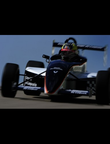 Round(s) Caterham Lotus up to 3 x 6 laps